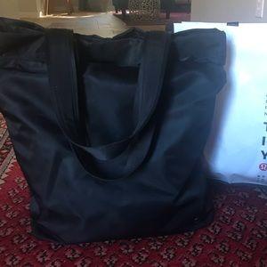 Black Lululemon gym bag!